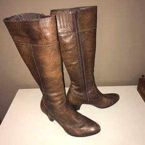 Born distressed brown leather boots